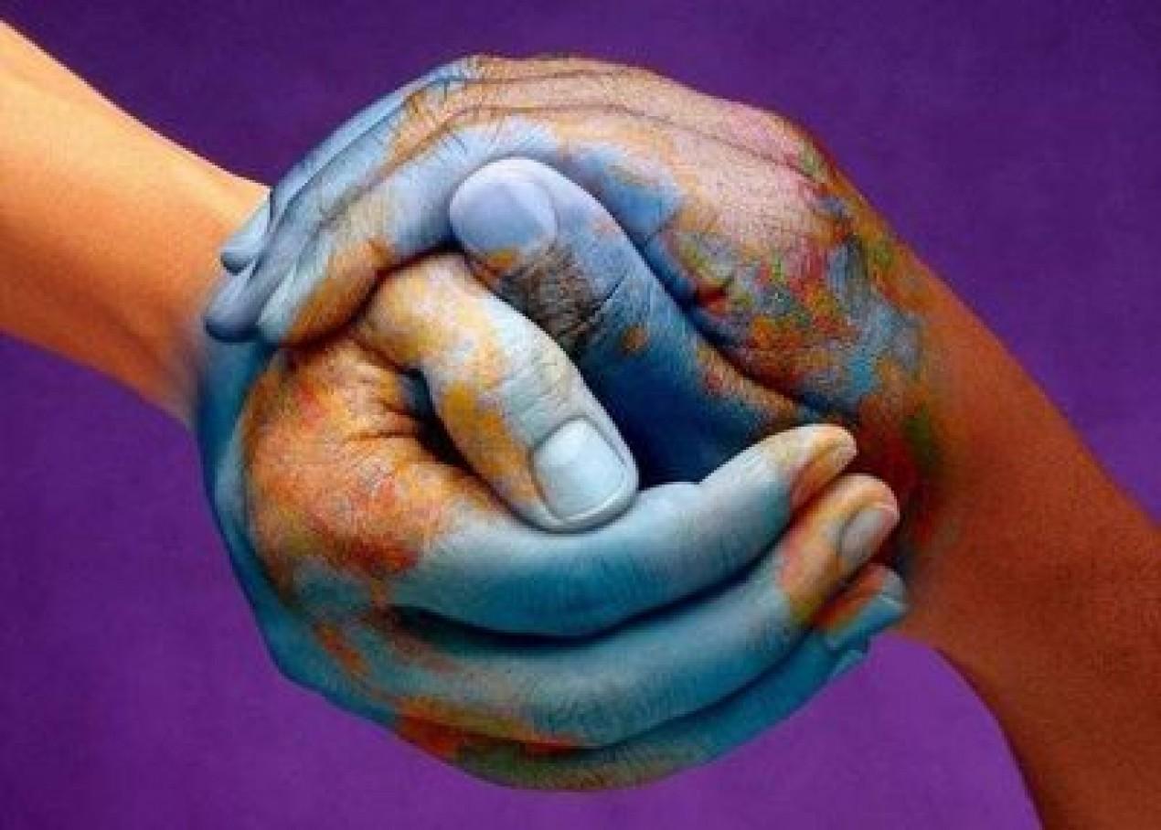 Se relier maintenant entre nous pour rayonner l'Amour Cropped-mains-du-monde