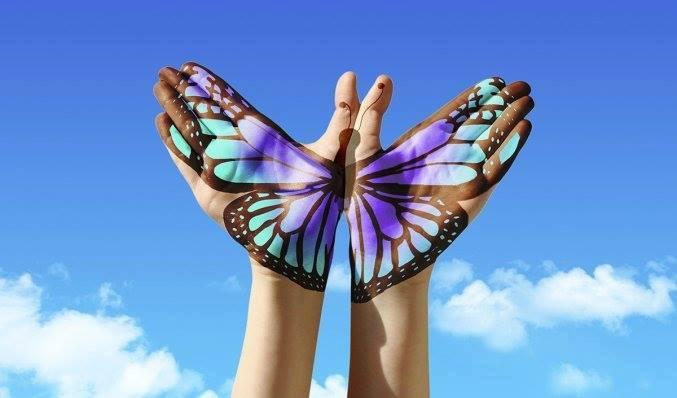 ImAge mains papillons