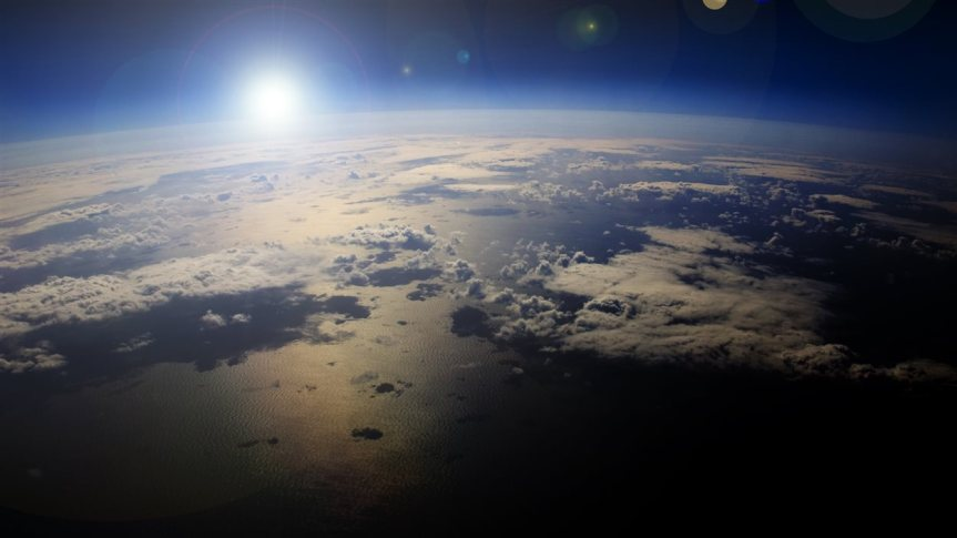 IS_160808_9v0jb_planete-terre-credit_sn1250
