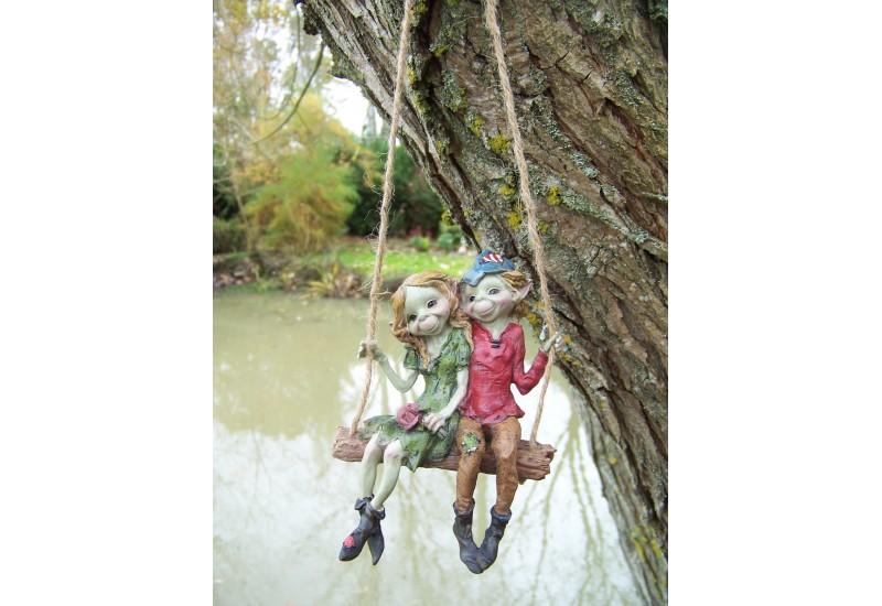 97038-figurine-2-troll-sur-balancoire-pixie-elfe-pixies-farfadet